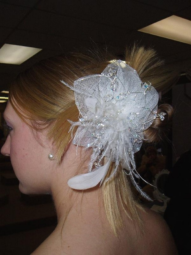 blonde hair braidsmaid with hair clip.jpg