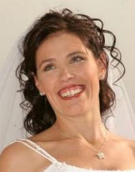 wedding hairstyle with curls and veil.jpg