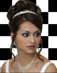 Indian bride hairtyle with tiara.jpg