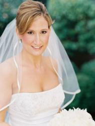 simple wedding haristyle with veil.jpg