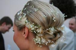 cute wedding hairstyle with small flowers.jpg
