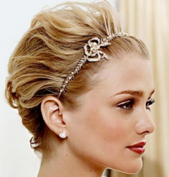 2013 blonde hair bridal hairdo with gold headband.PNG