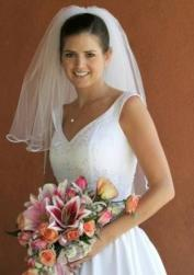 bride updo with veil.jpg