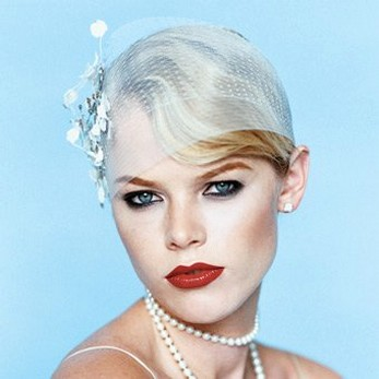 bridal hairstyles tiara. 40s wedding hairstyle with