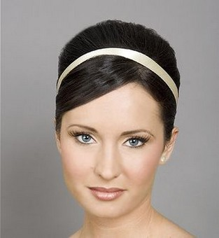 simple wedding hairstyle picture.jpg