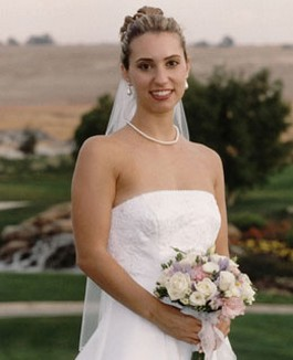 bridal hairstyle with veil.jpg