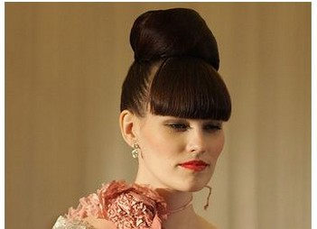 cool and modern wedding hairstyle with thick bang.jpg