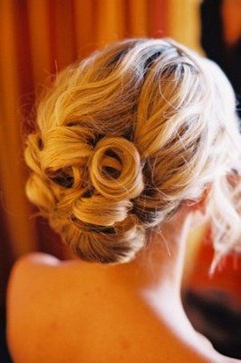 hairstyles with wedding from the back.jpg