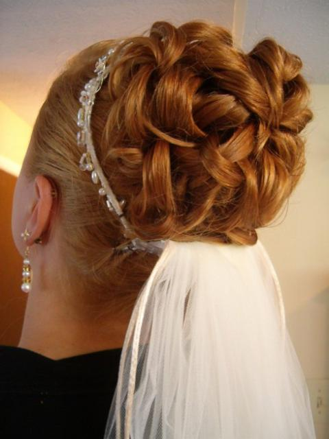 Wedding Hairstyles Veil Tiara Bob Hairstyles