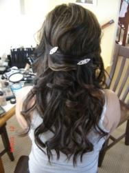 pictures of wedding hairstyles with hair clips.jpg