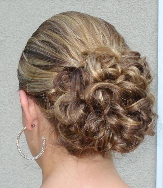 Picture of simple bridal updo wedding hairstyle