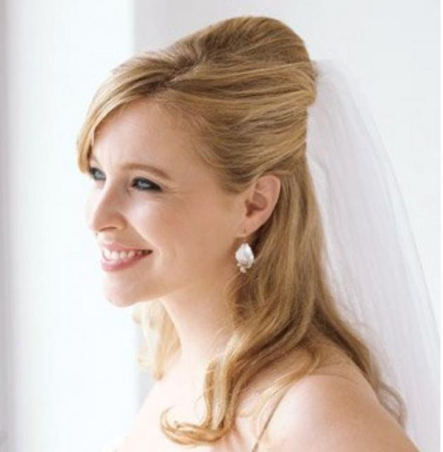 Half updo wedding hairstyle .