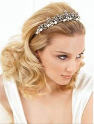 beautiful curly down wedding hairtyle with head band.jpg