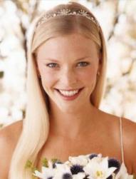 Blonde down bridal hairstyle picture.jpg