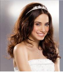curly long bride down hairstyle image.jpg