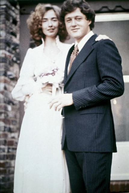 Bill Cllinton and Hillary Clinton wedding photo.jpg