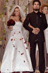 Carmen Electra and Dave Navarro wedding pictures.jpg