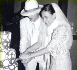 Demi Moore and Ashton Kutcher wedding photos.jpg