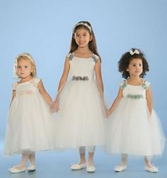 flower girls hairstyles ideas picture.jpg