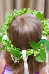 green wreath flower girls hairstyle - Copy.jpg