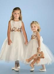 hairstyle flower girls pictures.jpg