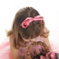Wedding Hairstyleribbon on Photo Of A Flower Girl Hairstyle With Pink Ribbon As Headband   Copy