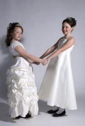 photo of elegant flower girls hairdos - Copy.jpg