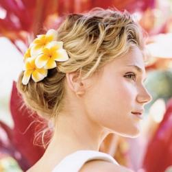 beach casual wedding hairstyle with flowers