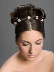 wedding-fashion-style-hairstyles-flower-shaped-crystals-for-hair-1.jpg