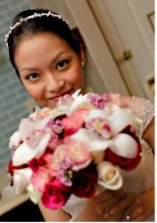 Simple and cute bride hairsytle pix.JPG