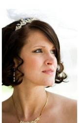 Short bride hairstyle with curls and and long side bangs picture.JPG