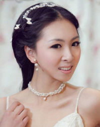 Asian wedding hairstyle 2015 with puffy veil and peach roses hairclips ...