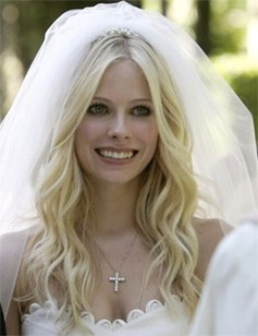 Avril Lavigne wedding hairstyle.jpg (5 comments)