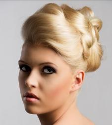 Blonde wedding hairdo with classic style.JPG