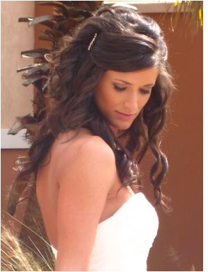 Romanitic bride hairstyle with crystal hairl clip and side bang.JPG