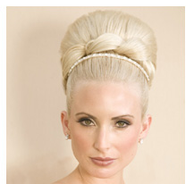 Trendsetters bridal hairstyle with an elegant style.PNG