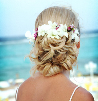 Wedding beach hairstyle white tropical flowers with small pinkish flowers.PNG
