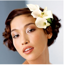 Asian wedding hairstyle with fresh white flowers hairclips.PNG