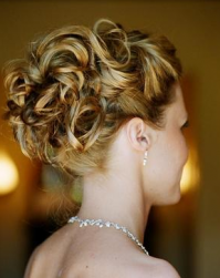 Bridal curly hairstyle in blond hair.PNG