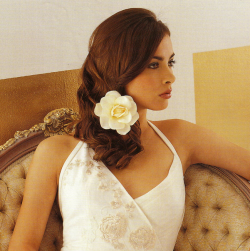 Bridal down hairstyle with big rose hair clip_romantic wedding hairstyle picture.PNG