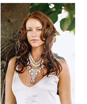 weddinghairstylegaller...Long wavy wedding hairstyle,
