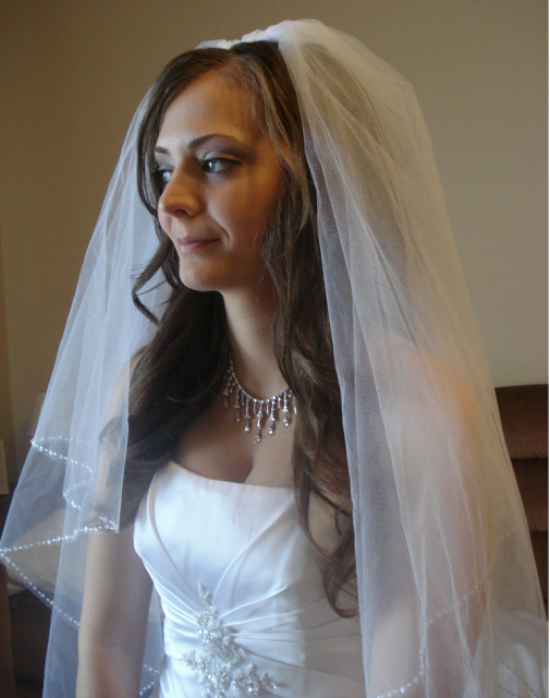 down wedding hairstyles with veil. Bridal down hairstyle with veil images.PNG