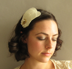 Short Curly Bridal Pearls Headband picture.PNG