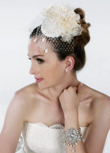 Vintage wedding hairstyle with rose hairclip.PNG