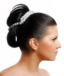 Black hairstyle wedding updo with pearl hair decor.PNG