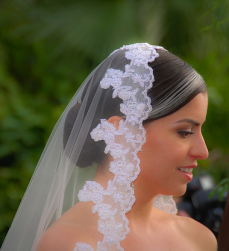 Beautiful bridal hairstyle with pretty veil.PNG