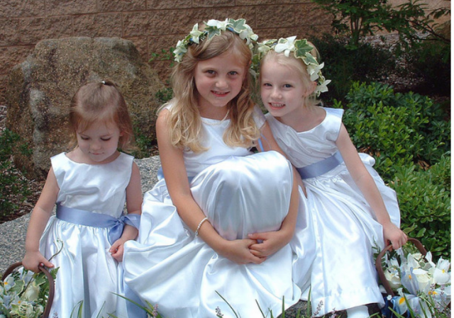 Picture of three beautiful flower girls.PNG