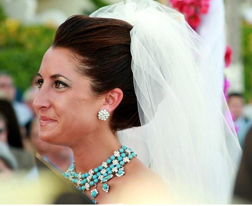 Classic Bridal Updo Hairstyle : Wedding hairstyles [p. 5]