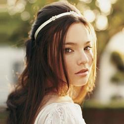 simple wedding hairstyle with head band.jpg
