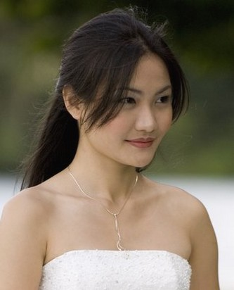 simple wedding hair for Asian bride.jpg